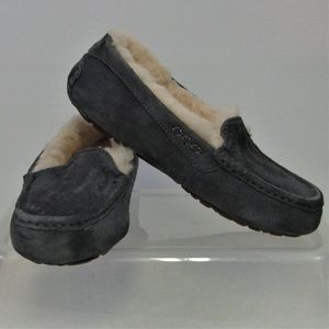 UGG Ansley Women's Sz. 6 Gray Moccasins Slip On